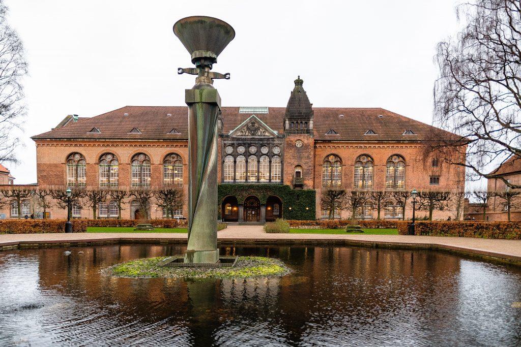 Copenaghen, il giardino romantico d ella Biblioteca Reale