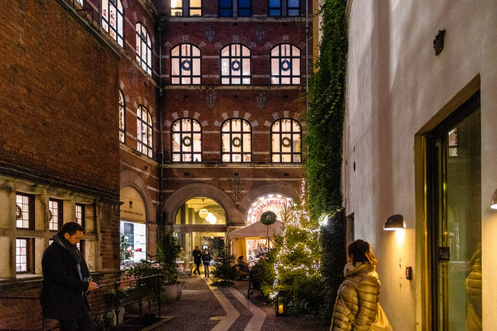 il cortile nel negozio della Royal Copenaghen
