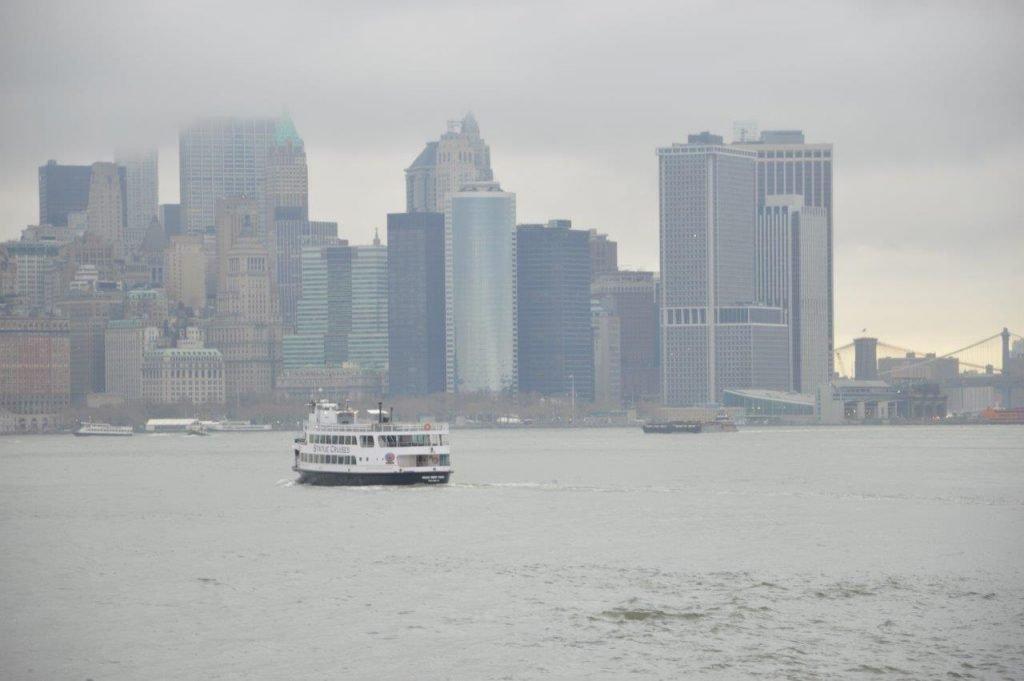lo skyline di New York da Ellis Island