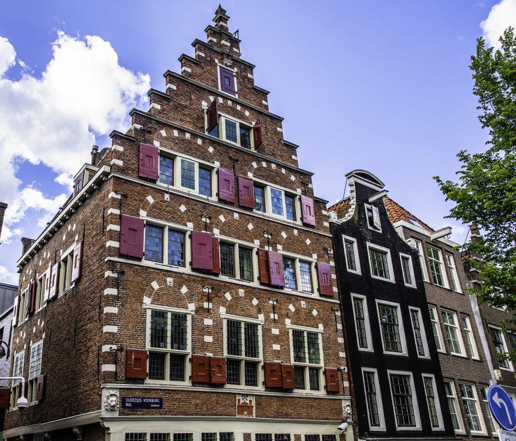 le case di Amsterdam, dal tipo di frontone possiamo capire l'epoca di costruzione