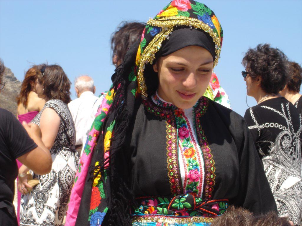 isole greche ragazze in costume