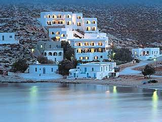 il piccolo villaggio di Vrahos a Folegandros