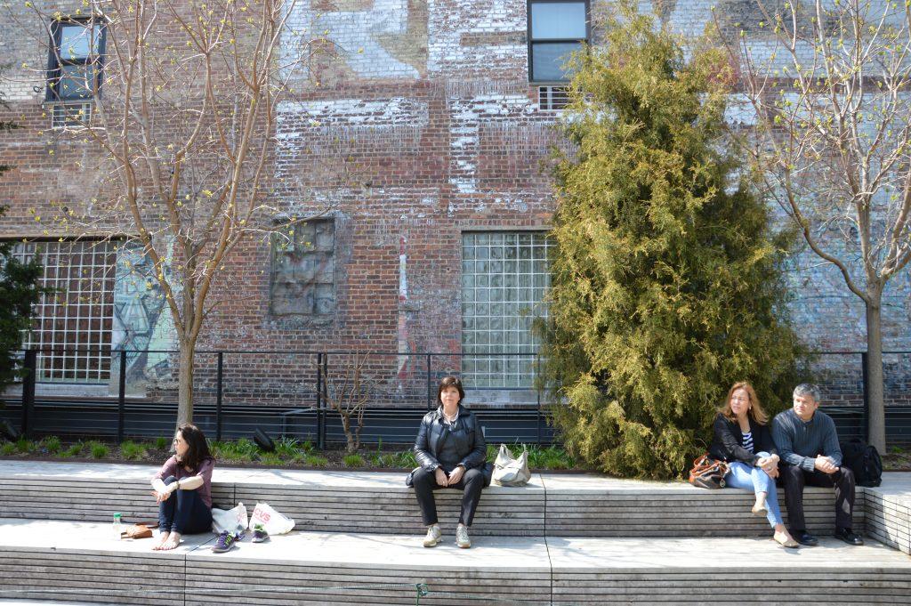 atmosfere industriali tra i palazzi di mattoni della High Line di New York