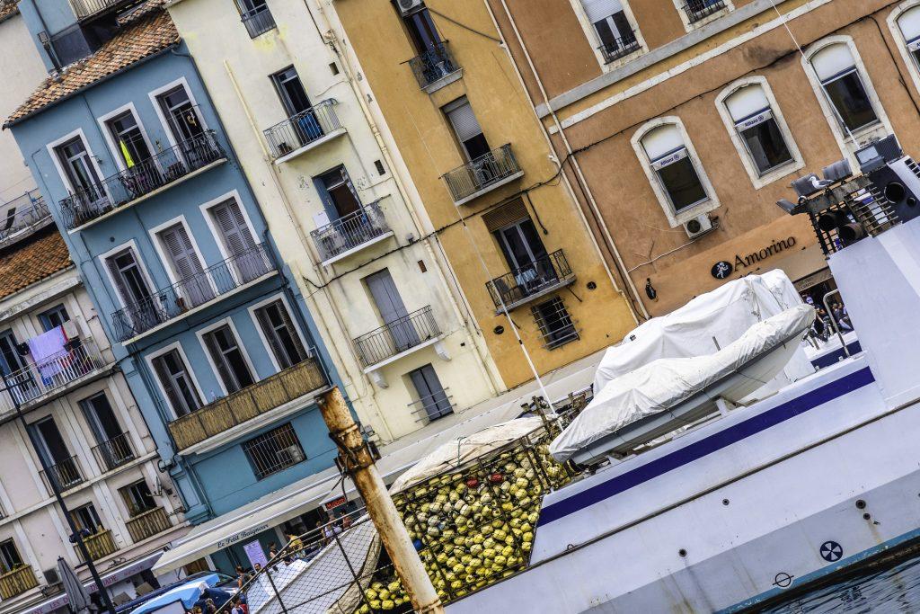 un peschereccio ormeggiato nel canale di Sète