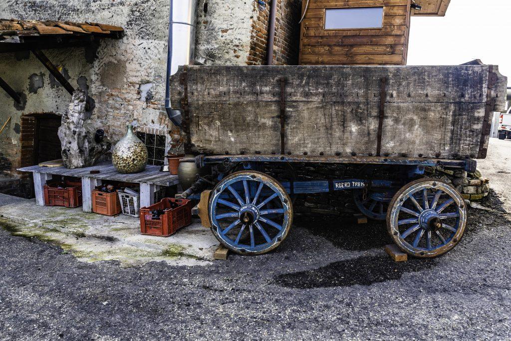 vecchi attrezzi da lavoro dei vignaioli delle Langhe
