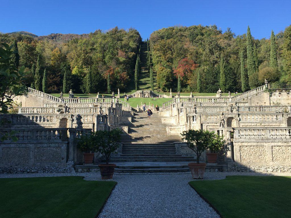 l'elegante giardino all'italiana della Villa