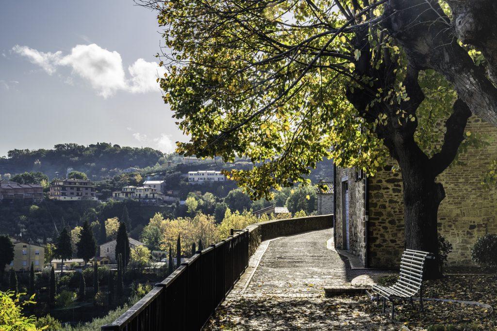Bettona, in Umbria, è un borgo con vista spettacolare sulla valle