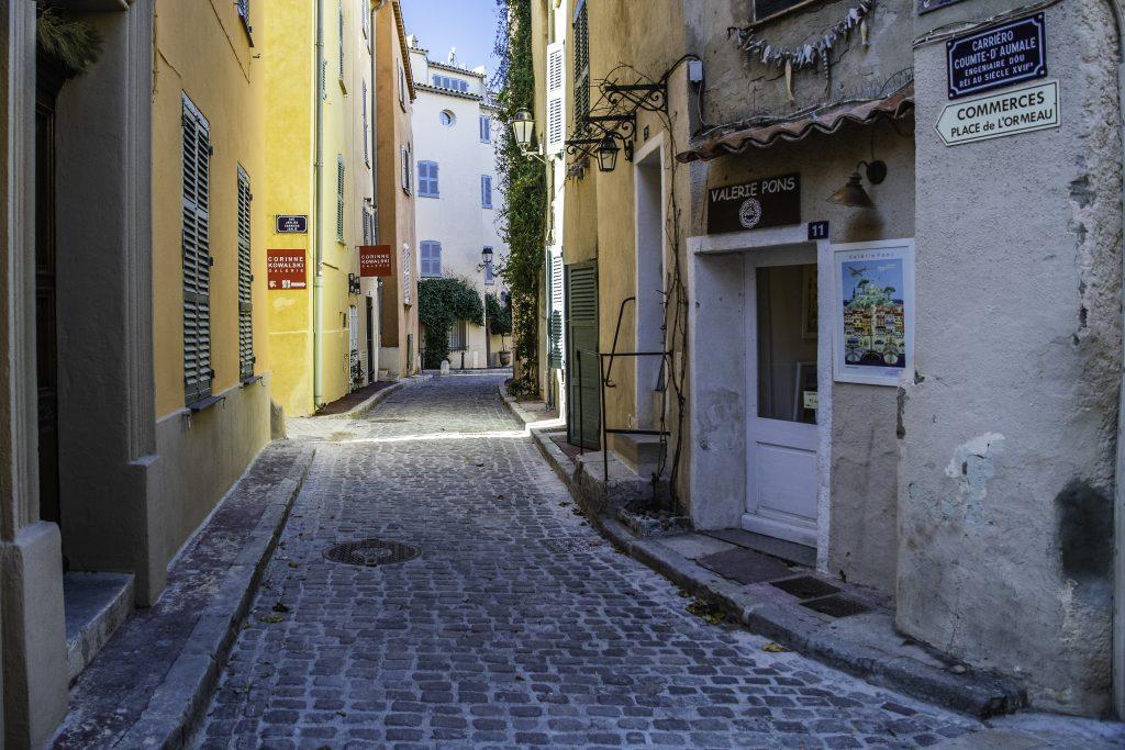 vicolo di Saint-Tropez
