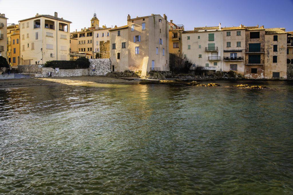 un angolo de La Ponche, il quartiere dei pescatori a Saint-Tropez
