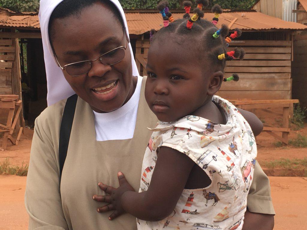 Suor Delphine, adesso svolge la sua missione a Yaoundé in Cameroun