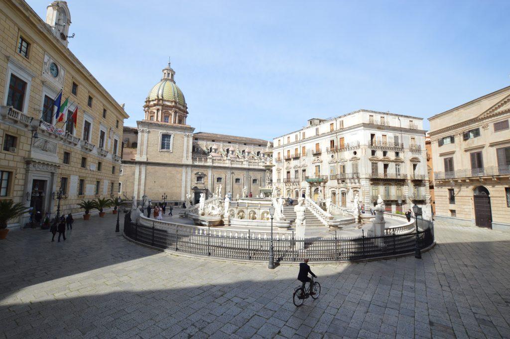 Il Municipio di Palermo in Piazza Pretoria