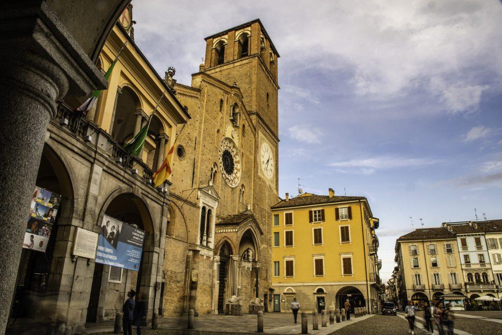 la facciata del Duomo di Lodi