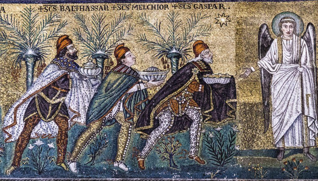 rappresentazione musiva dei magi nella Basilica di Sant'Apollinare Nuovo