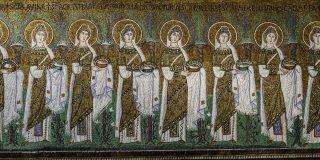 la processione di vergini nella Chiesa di Sant'Apollinare Nuovo